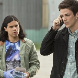 Flash, The / Grant Gustin / Carlos Valdes Poster