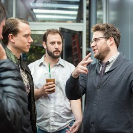 Interview, The / Set / Jonathan Watson, DP Brandon Trost, Evan Goldberg und Seth Rogen Poster