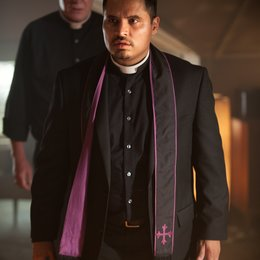 Vatican Tapes, The / Michael Peña Poster