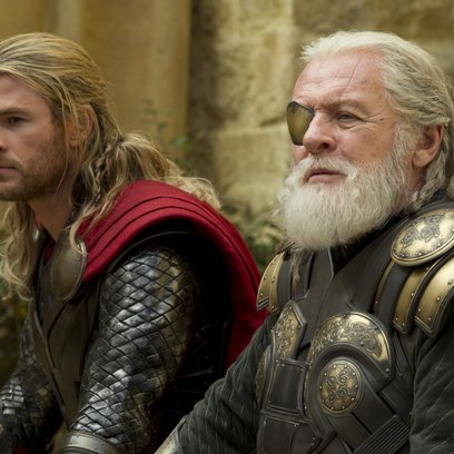Thor - The Dark Kingdom / Chris Hemsworth / Sir Anthony Hopkins Poster