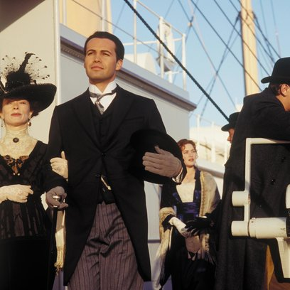 Titanic / Frances Fisher / Billy Zane / Leonardo DiCaprio Poster