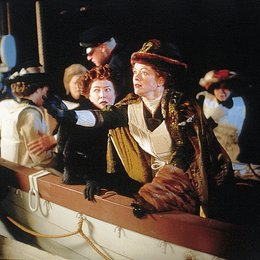 Titanic / Kathy Bates / Frances Fisher