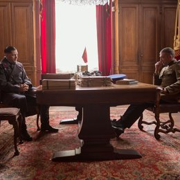 "Kind 44 / Tom Hardy (links) als Leo Demidov und Vincent Cassel (rechts) als Major Kuzmin in ""Child 44"". Poster"