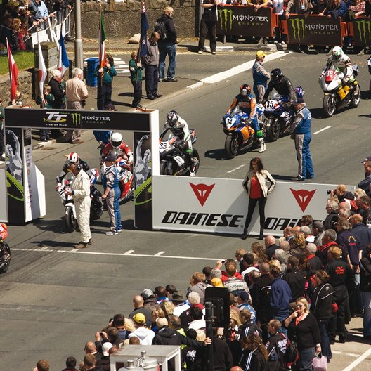 TT3D: Closer to the Edge / Isle of Man - TT: Hart am Limit Poster