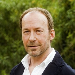 Lügen haben linke Hände (ZDF) / Ulrich Noethen