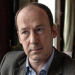 Mein Mann, ein Mörder (ZDF / ARTE G.E.I.E.) / Ulrich Noethen