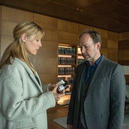 Neben der Spur: Adrenalin (ZDF) / Ulrich Noethen / Petra van de Voort