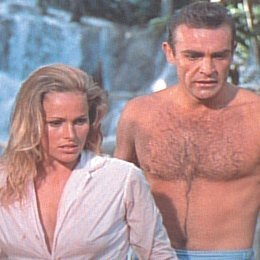 James Bond 007 jagt Dr. No / Ursula Andress Poster