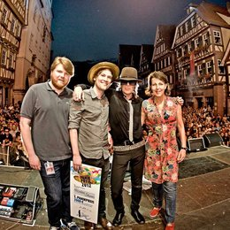 Andreas Weitkämper (A&R Director Warner Music Germany), Nicolas Sturm, Udo Lindenberg und Rita Flügge-Timm (Director Artist Department Warner Music Entertainment) Poster