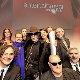 Entertainment Night 2011: Udo Lindenberg inmitten seines Team von Warner Music und Starwatch Entertainment Poster
