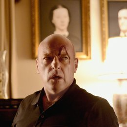 Under the Dome / Dean Norris Poster