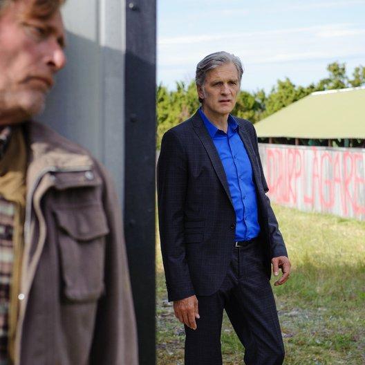 Kommissar und das Meer: In einer dunklen Nacht, Der (ZDF) / Walter Sittler / Dag Malmberg Poster