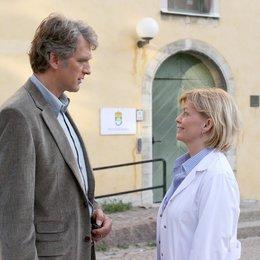 Kommissar und das Meer: Näher als Du denkst, Der (ZDF) / Walter Sittler / Inger Nilsson Poster