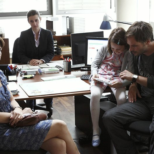 Kommissar Stolberg: Familienbande (ZDF / SF DRS) / Melika Foroutan / Annett Renneberg / Tabea Willemsen / Wanja Mues