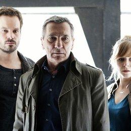 Kommissar Stolberg: Im Dunkeln (ZDF / Schweizer Radio und Fernsehen (SRF)) / Wanja Mues / Rudolf Kowalski / Jasmin Schwiers