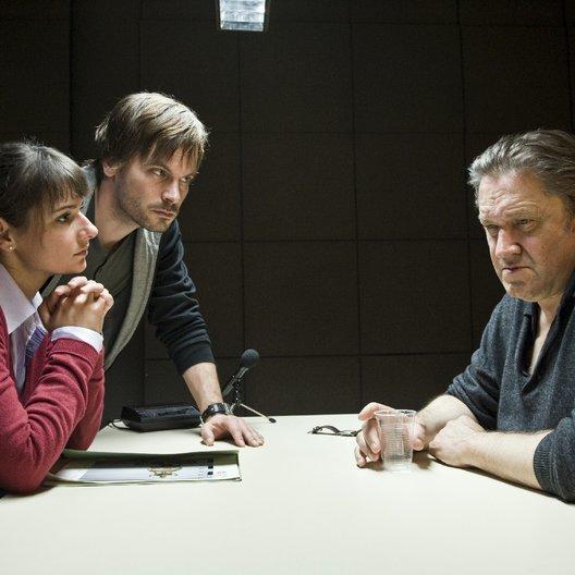 Kommissar Stolberg: Zwischen den Welten (ZDF / SRF - Schweizer Radio und Fernsehen) / Wanja Mues / Annett Renneberg / Michael Brandner