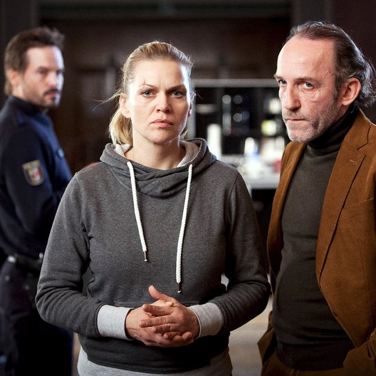 Mord in den Dünen (ZDF) / Anna Loos / Karl Markovics / Wanja Mues