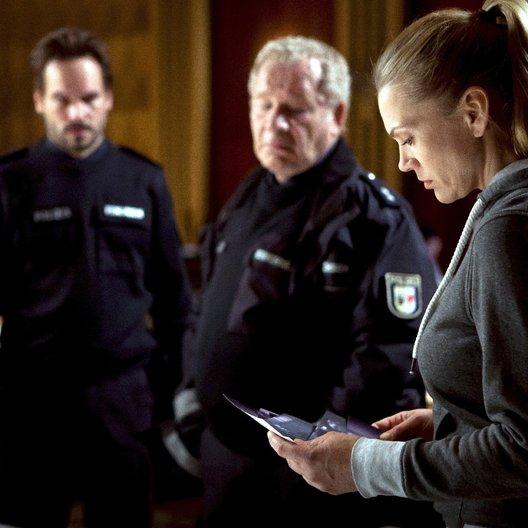 Mord in den Dünen (ZDF) / Anna Loos / Wanja Mues / Michael Hanemann