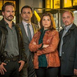 Stralsund: Kreuzfeuer (ZDF) / Alexander Held / Katharina Wackernagel / Michael Rotschopf / Wanja Mues