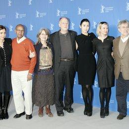 Berlinale 2010 / Jury / Francesca Comencini / Nuruddin Farah / Cornelia Froboess / Werner Herzog / Yu Nan / Renée Zellweger / José María Morales Poster
