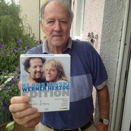 "Werner Herzog mit der ""Klaus Kinski / Werner Herzog Edition"" Poster"