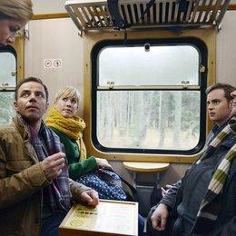 Alles Klara (2. Staffel, 16 Folgen) (MDR) / Alexa Maria Surholt / Wolke Hegenbarth / Felix Eitner / Jan Niklas Berg / Christoph Hagen Dittmann Poster