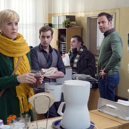 Alles Klara (2. Staffel, 16 Folgen) (MDR) / Wolke Hegenbarth / Felix Eitner / Jan Niklas Berg / Christoph Hagen Dittmann Poster