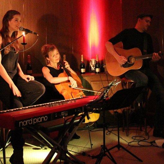 Yvonne Catterfeld in München / Live bei ihrem Münchner Showcase: Yvonne Catterfeld im Restaurant Gandl