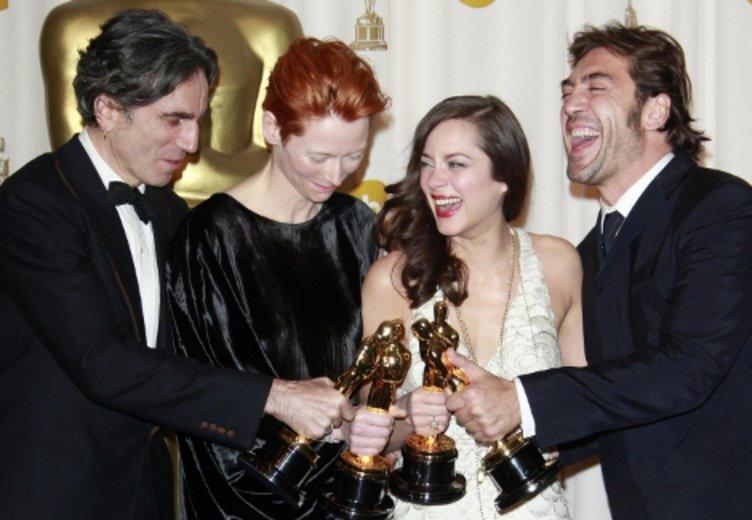 Danial Day Lewis, Tilda Swinton, Marion Cotillard und Javier Bardem posieren als Oscar-Preisträger 2008 © Kurt Krieger