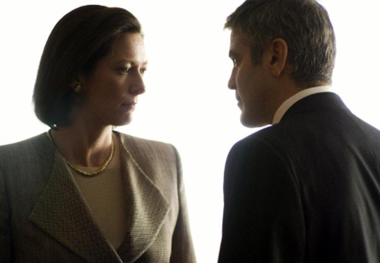 """Tilda Swinton und Goerge Clooney ind """"Michael Clayton"""" (2007) © Constantin Film"""