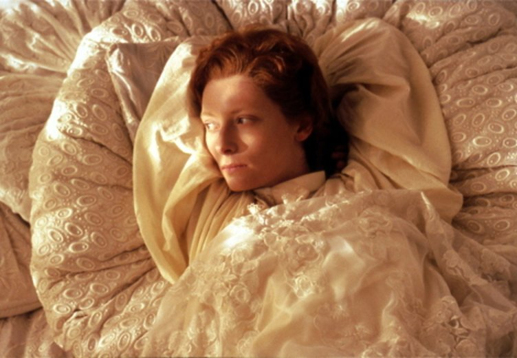 "Tilda Swinton in ""Orlando"" (1992) © Pandora"