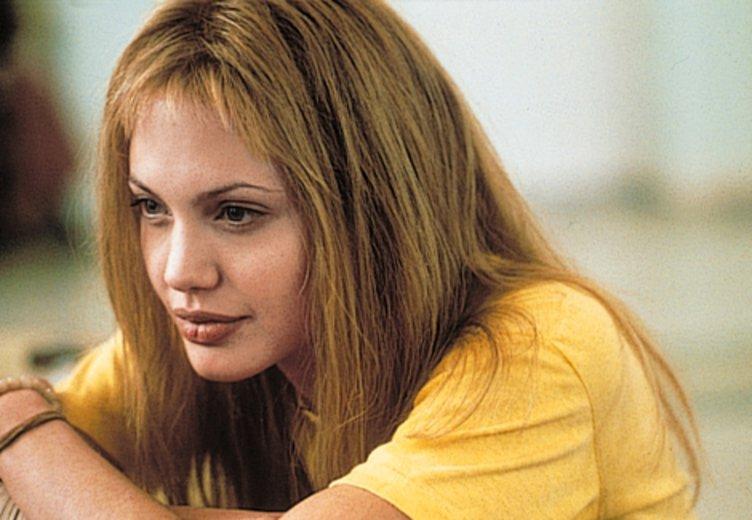 """Angelina Jolie in ihrer Oscar-Rolle als Psychiatrieinsassin in """"Durchgeknallt"""" ( © Columbia TriStar"""