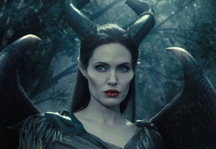 "Angelina Jolie als magische Fee in ""Maleficent"" (2015) © Walt Disney"