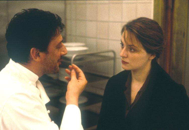 """Sergio Castellitto und Martina Gedeck in """"Bella Martha"""" (2000) © ottfilm"""