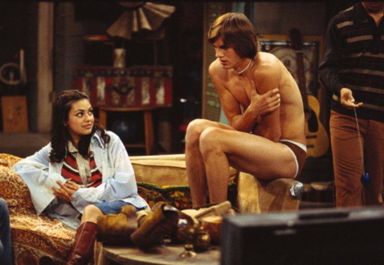 """Mila Kunis und Ashton Kutcher in """"Die Wilden 70er"""", Staffel 1 © Sunfilm"""