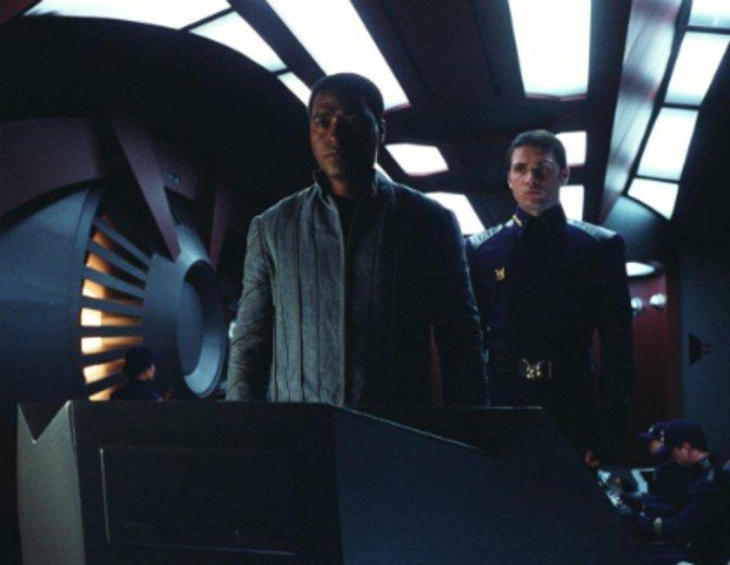 """Jagd mit allen Mitteln die Crew der """"Serenity"""" (2005) © Universal"""
