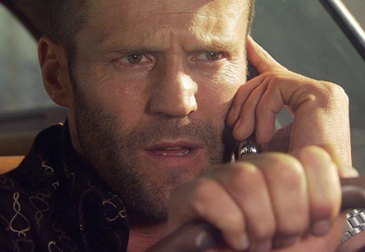 """Jason Statham wird in dem andrenalingeladenen Spektakel """"Crank"""" zum Versuchskaninchen © Universum"""