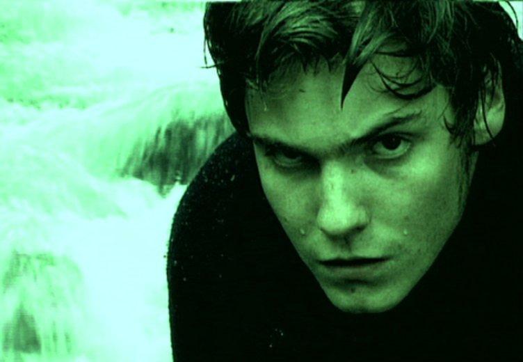 """Daniel Brühl in """"Das weiße Rauschen"""" (2001) © X Verleih"""