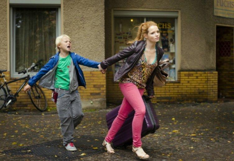 """Karoline Herfurth als überforderte Mutter in """"Rico, Oskar und die Tieferschatten"""" (2014) © Fox"""