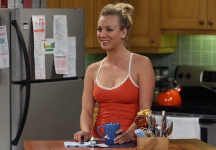 """Kaley Cuoco damals, 2. Staffel """"The Big Bang Theory"""" © Warner"""