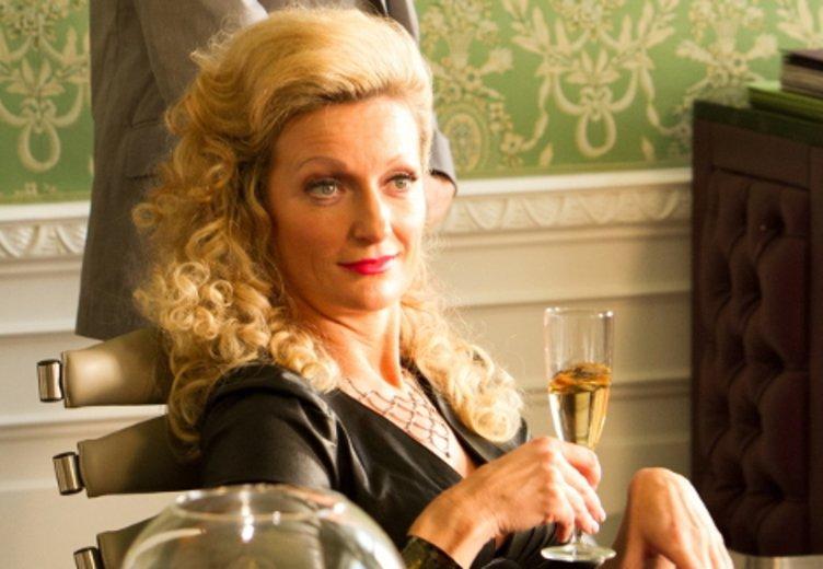 "Monika Gruber in ""Die Mamba - Gefährlich lustig!"" (2014) © Senator Filmverleih"