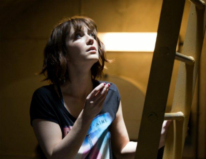 """In einem Bunker 10 Meter unter der Erde bangt sie nicht nur um ihr Leben: """"10 Cloverfield Lane"""" © Paramount"""
