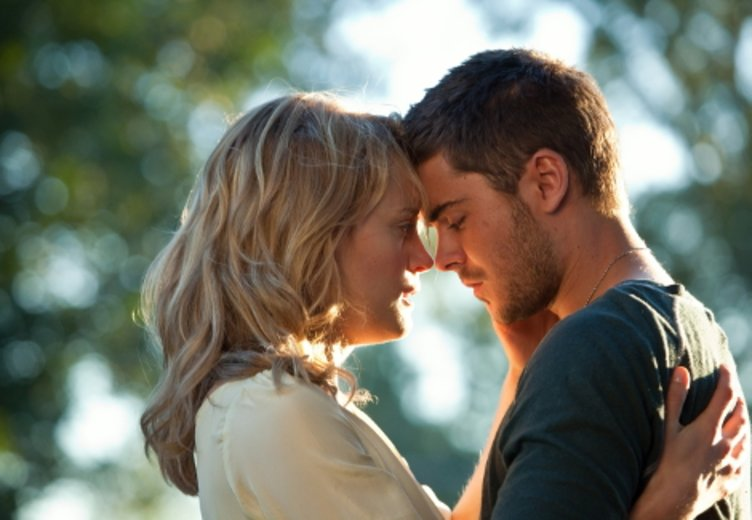 "Zac Efron wird in ""The Lucky One"" (2012) romantisch. © Warner"