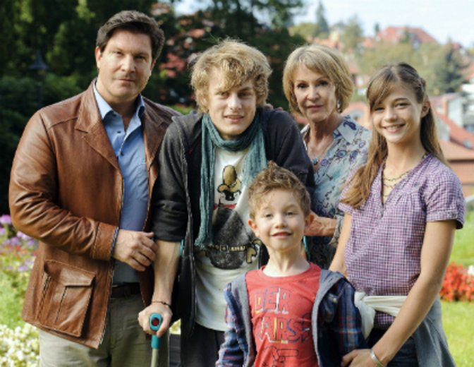 """Zum festen Ensemble der ARD-Serie """"Familie Dr. Kleist"""" gehört sie seit 2005 © ARD"""