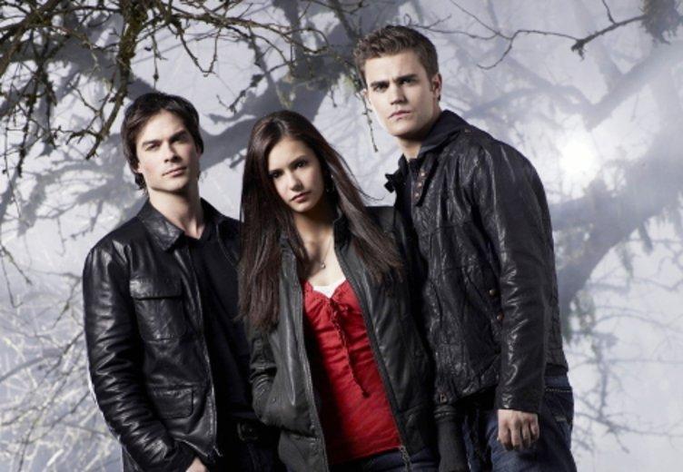 """Nin Dobrev, Ian Somerhalder und Paul Wesley in """"Vampire Diaries"""" © Warner Brothers"""