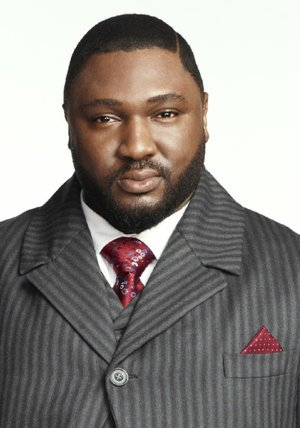 Nonso Anozie Poster