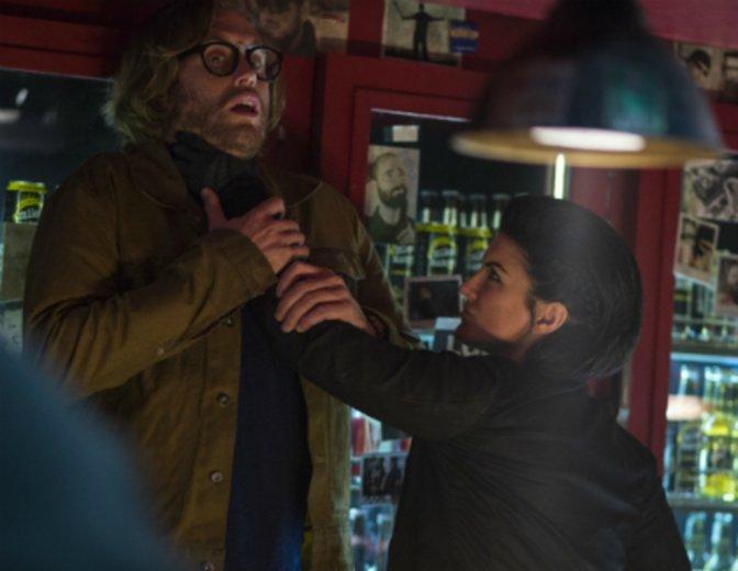 """Als Barbesitzer muss er in """"Deadpool"""" (2016) auch mit Problemen rechnen © Fox"""