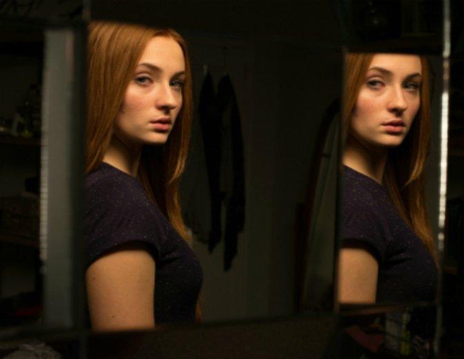 """Ihre erste Hauptrolle erhielt sie in """"Another Me - Mein zweites Ich"""" (2013) ©20th Century Fox"""