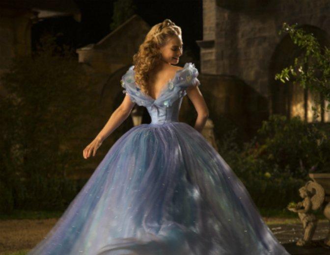 """Verzauberte als """"Cinderella"""" kleine und große Disney-Fans © Walt Disney"""