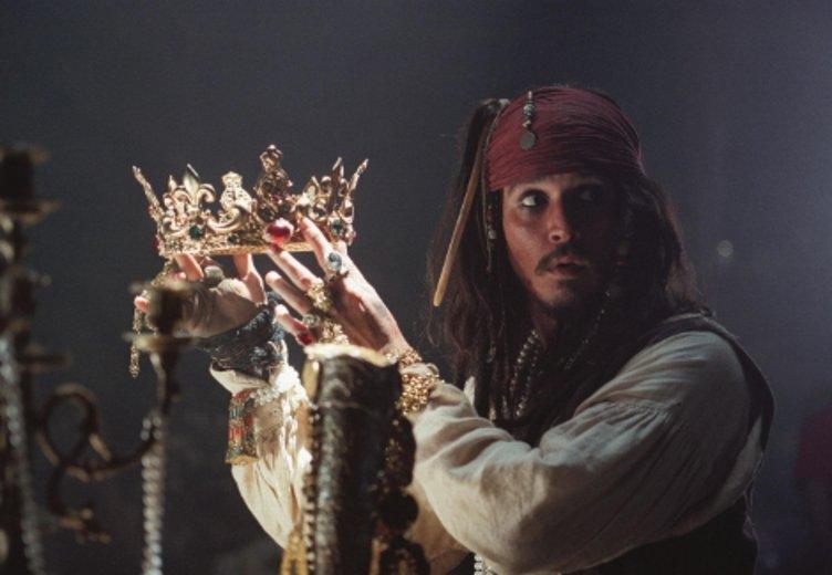 """Johnny Depp als kultiger Kapitän in """"Fluch der Karibik"""" (2003) © Buena Vista"""